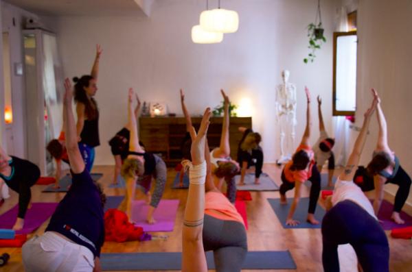 Sesiones Intimas Yoga con Cris taller intensivo workshop