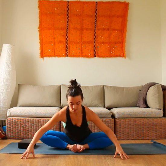 Baddha Konasana yoga con cris