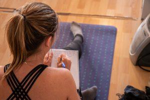 Apprender en taller de yoga