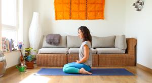 Supta Virasana asana yoga con cris