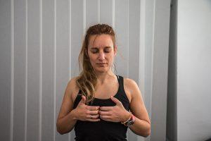 Talleres Pais Vasco practica yoga en casa