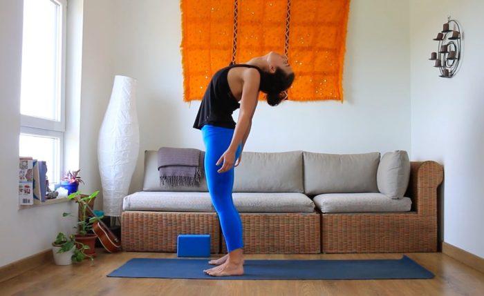 cuidado y movilidad espalda alta clases de yoga online yoga con cris