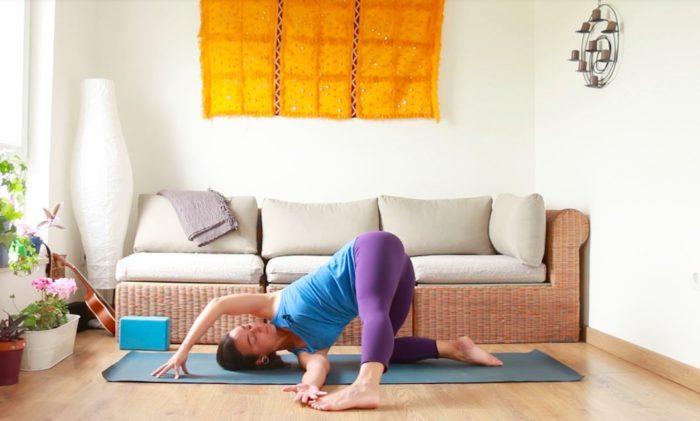 movimiento como medicina clases yoga online