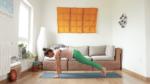 Vasisthasana construye la postura yoga con cris