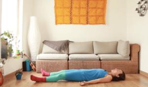 yoga con cris quietud escucha accion
