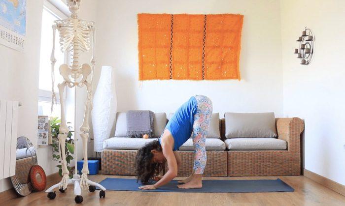 masaje miofascial piernas clases yoga con cris