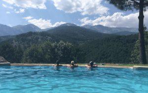 yoga con cris retiro gredos piscina
