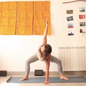 alegria yoga con cris