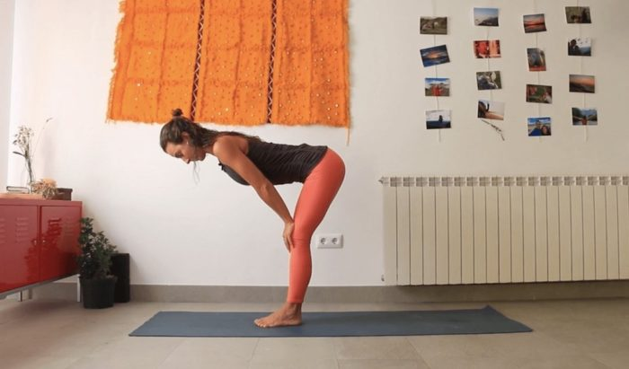 jalandhara bandha clase online yoga con cris
