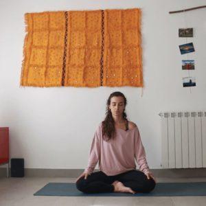meditacion clases yoga con cris online afinar los sentidos