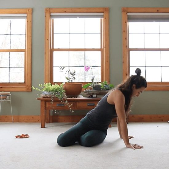 quitarse peso de encima clase online yoga con cris