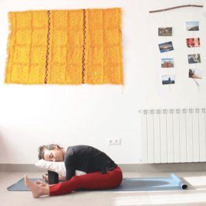 yin yoga con cris clase online compasión y consciencia