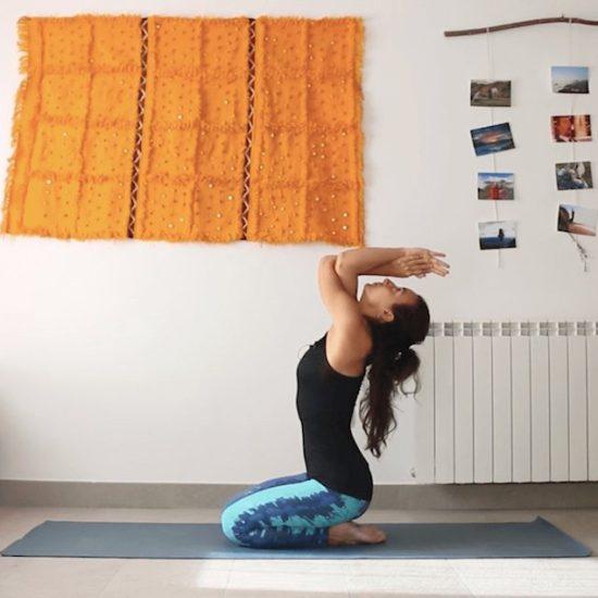 Espacio de escucha y protección clase online yoga con cris