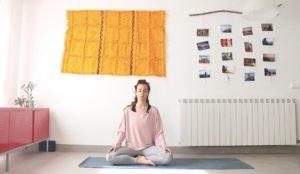 cultivar empatía clase de yoga online yoga con cris