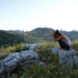 yoga con cris clases de yoga online meditacion emociones