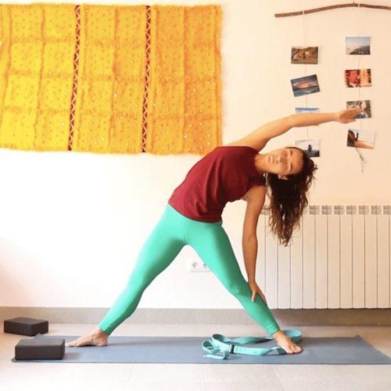 la belleza de lo pequeño yoga con cris online