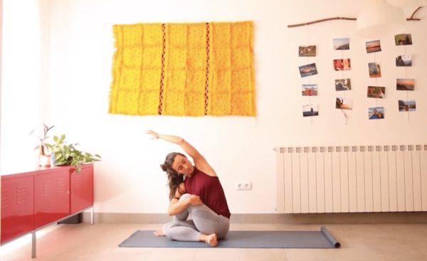 clase online yoga con cris cuidado