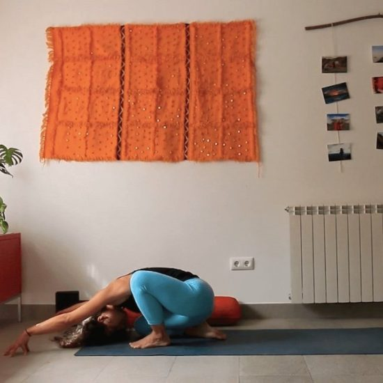 pausa clase yoga con cris online
