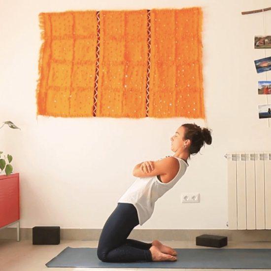 energía enfocada clase online yoga con cris