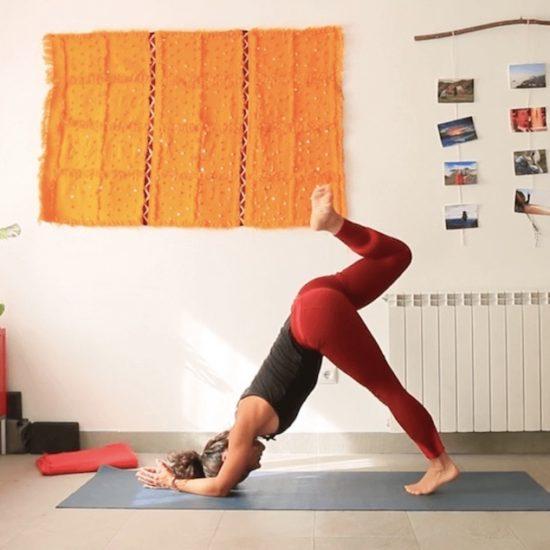 paron de mediodía clase online yoga con cris