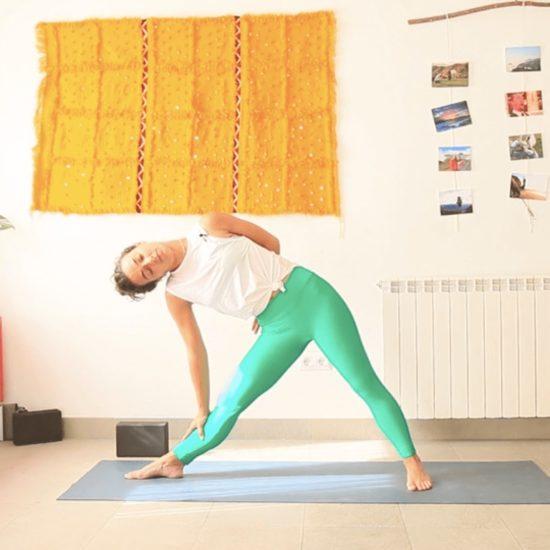 clase yoga con cris online tras la oficina