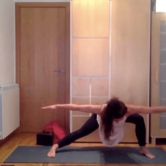 Aguas profundas clase online yoga con cris