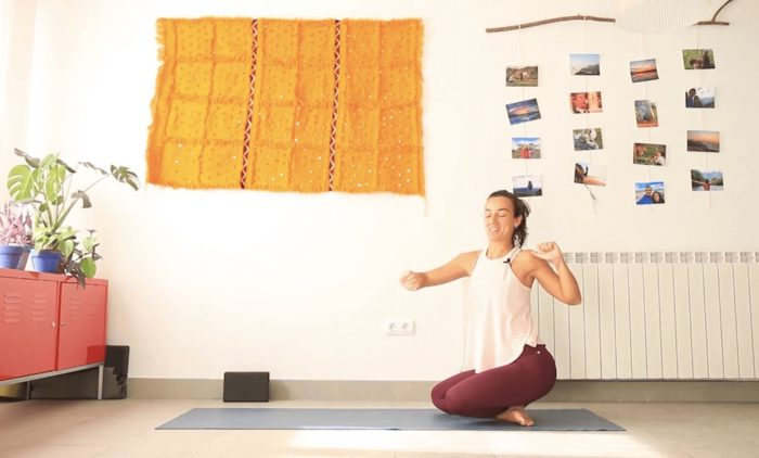 Practica sutil yoga con cris yoga online