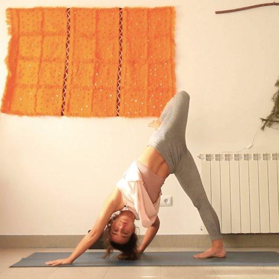 deja que fluya clase yoga online yoga con cris