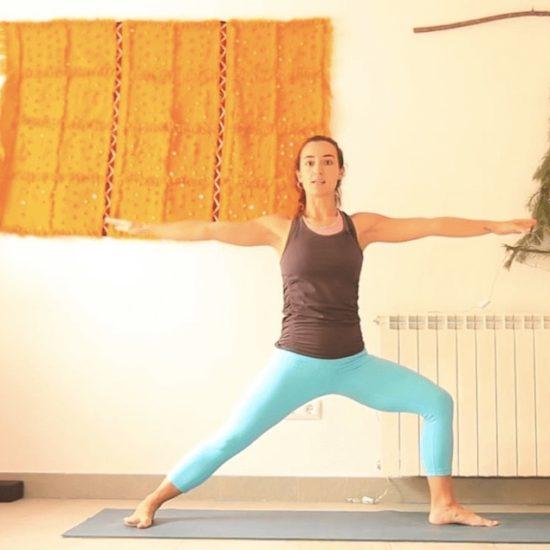 primera practica del año yoga con cris online