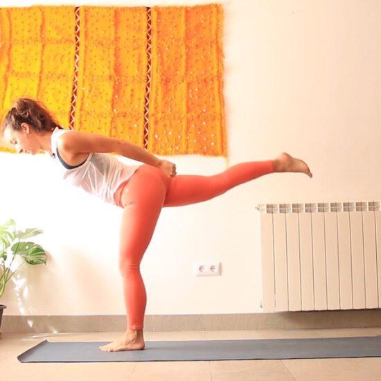 vinyasa yoga con cris online Ligera como el viento
