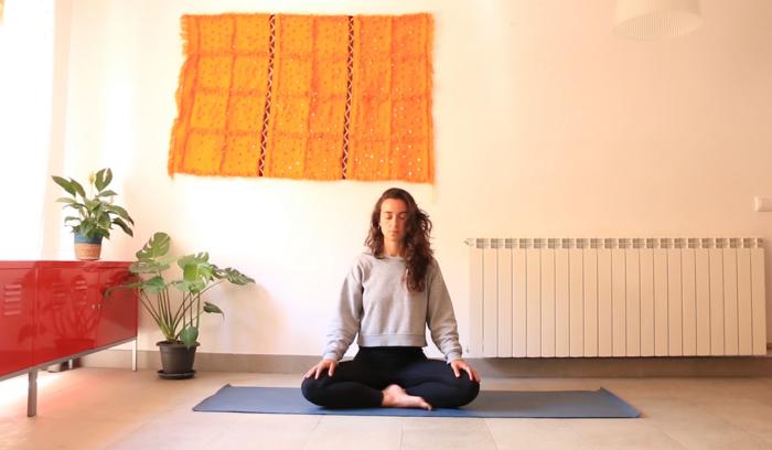 gestión del dolor emocion fisico meditacion yoga con cris online