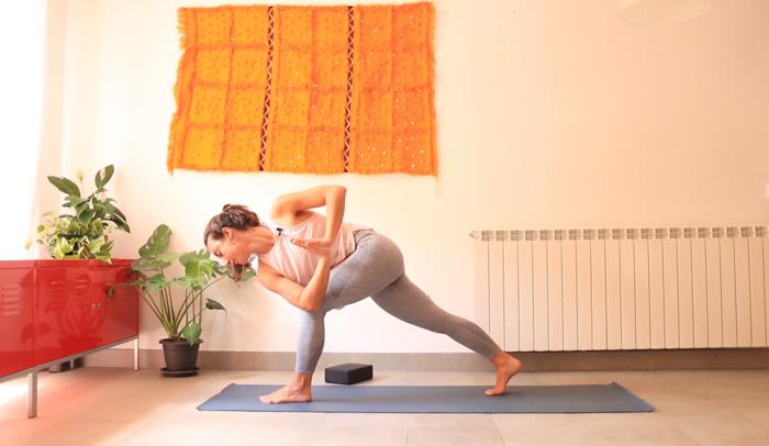 linea espiral fascia clase online yoga con cris