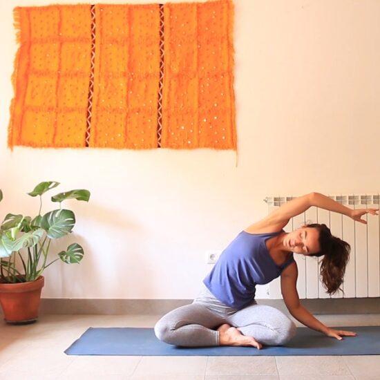 Vinyasa suave yoga con cris aramburo